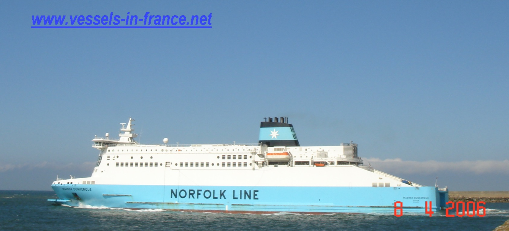 Le ferry MAERSK DUNKERQUE - IMO 9293076 - quittant Dunkerque pour Douvres